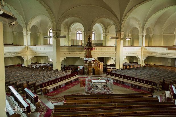 banci-din-biserica-reformata-din-zalau-judetul-salaj.jpg