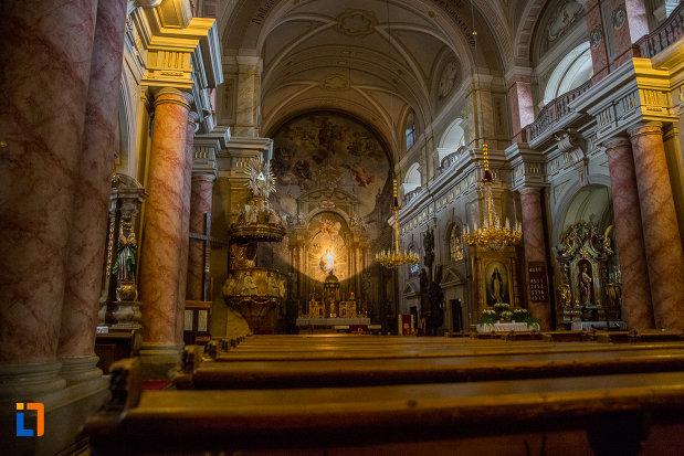 bancile-din-biserica-parohiala-evanghelica-sf-maria-din-sibiu-judetul-sibiu.jpg