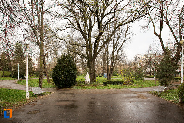 bancute-din-parcul-mihai-eminescu-din-arad-judetul-arad.jpg