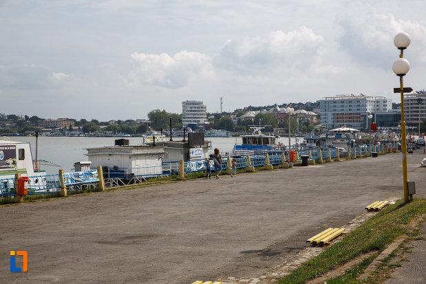 barcile-din-portul-orasului-tulcea-judetul-tulcea.jpg