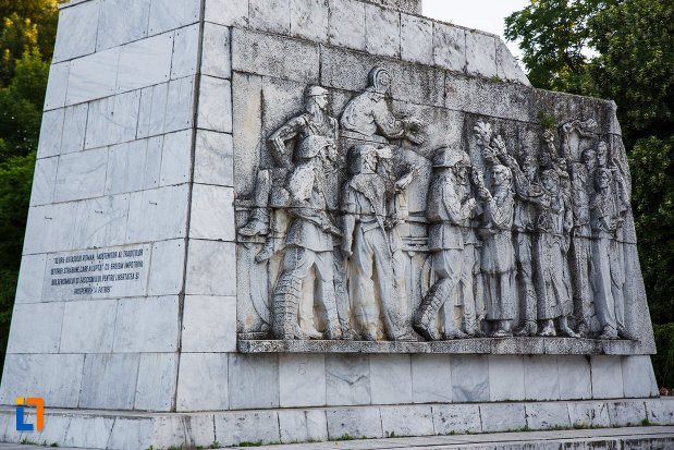 basorelief-aflat-pe-monumentul-ostasului-necunoscut-din-timisoara-judetul-timis.jpg