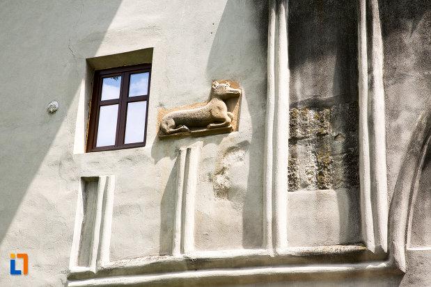 basorelief-de-la-manastirea-negru-voda-din-campulung-muscel-judetul-arges.jpg
