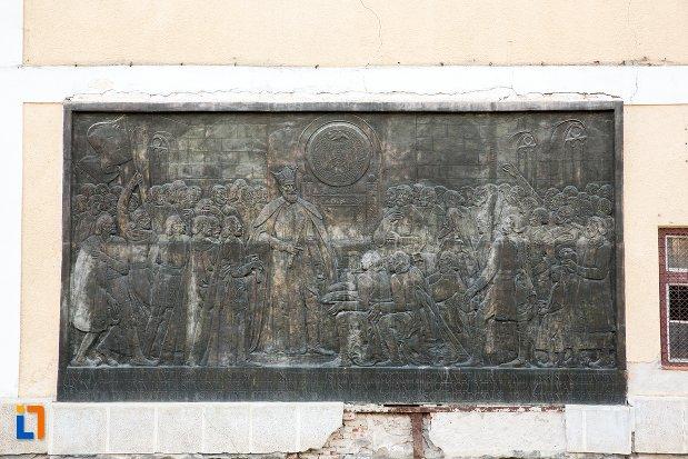 basorelief-de-la-palatul-principilor-transilvaniei-din-alba-iulia-judetul-alba.jpg
