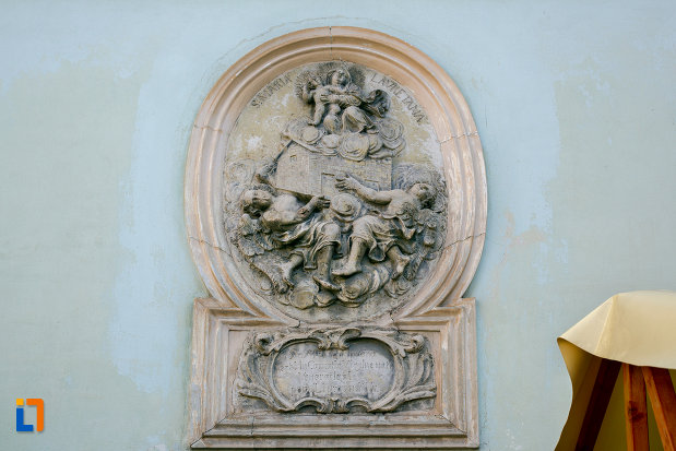 basorelief-de-pe-biserica-franciscana-din-cluj-napoca-judetul-cluj.jpg