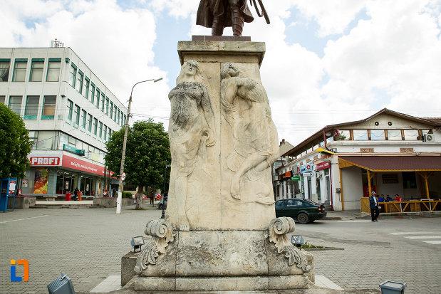 basorelief-de-pe-monumentul-eroilor-din-calafat-judetul-dolj.jpg