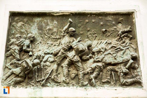 basorelief-de-pe-monumentul-eroilor-din-dorohoi-judetul-botosani.jpg