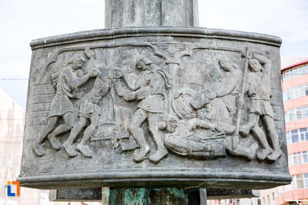 basorelief-de-pe-monumentul-eroilor-din-targoviste-judetul-dambovita.jpg