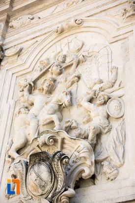 basorelief-de-pe-poarta-a-iii-a-a-cetatii-din-alba-iulia-judetul-alba.jpg