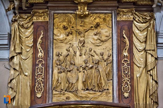 basorelief-din-biserica-romana-catolica-sfanta-treime-din-cluj-napoca-judetul-cluj.jpg