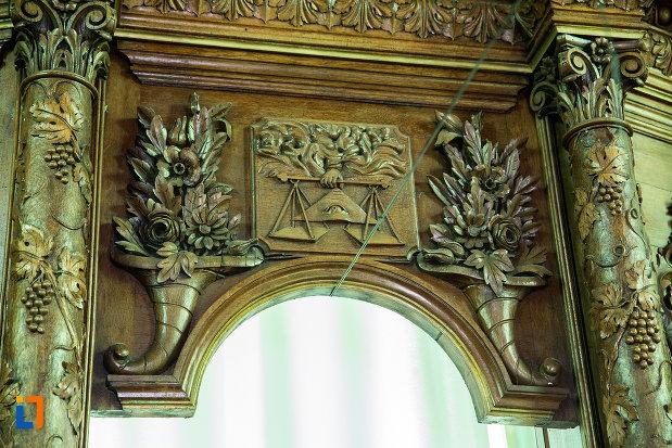 basorelief-din-biserica-sf-nicolae-din-slatina-judetul-olt.jpg