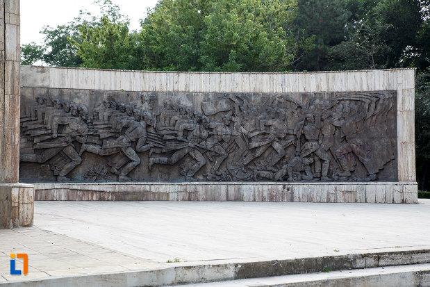 basorelieful-drept-de-la-monumentul-independentei-din-turnu-magurele-judetul-teleorman.jpg