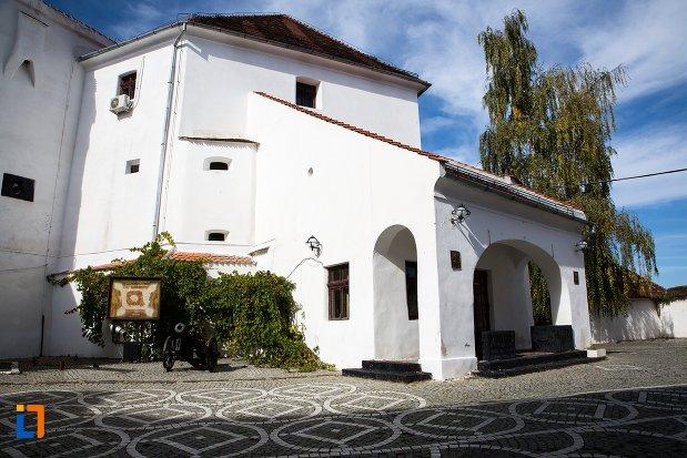 bastion-de-la-cetatea-brasov-judetul-brasov.jpg