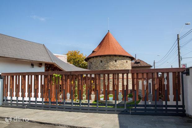 bastionul-macelarilor-din-baia-mare-judetul-maramures-gard-din-lemn.jpg