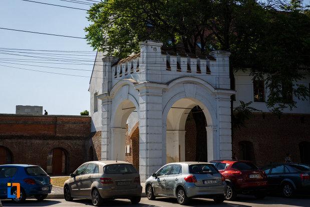 bastionul-maria-therezia-din-timisoara-judetul-timis-turnul-alb.jpg