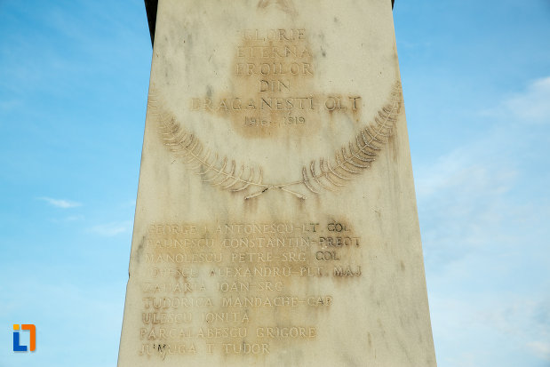 baza-de-la-monumentul-eroilor-din-draganesti-olt-judetul-olt.jpg