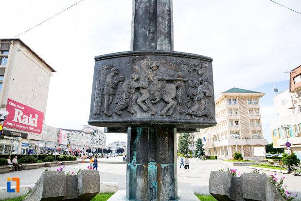 baza-de-la-monumentul-eroilor-din-targoviste-judetul-dambovita.jpg