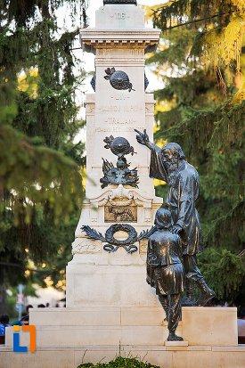baza-de-la-monumentul-lui-traian-din-braila-judetul-braila.jpg