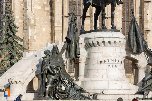 baza-de-la-statuia-lui-matei-corvin-din-cluj-napoca-judetul-cluj.jpg