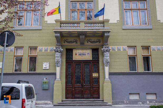 biblioteca-judeteana-astra-muzeul-asociatiunii-din-sibiu-judetul-sibiu.jpg