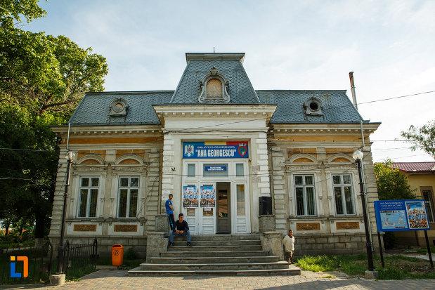 biblioteca-oraseneasca-ana-georgescu-din-odobesti-judetul-vrancea.jpg