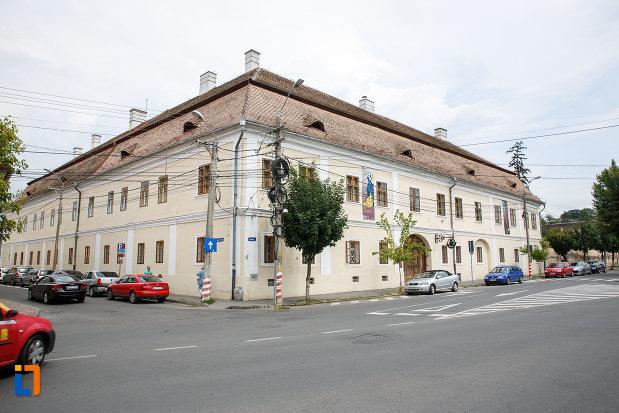 biblioteca-teleky-bolyai-1799-din-targu-mures-judetul-mures.jpg