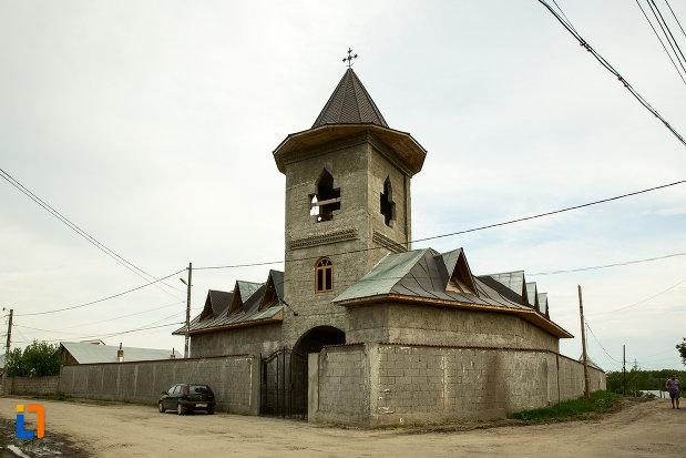 biserica-adormirea-maicii-domnului-din-draganesti-olt-judetul-olt.jpg