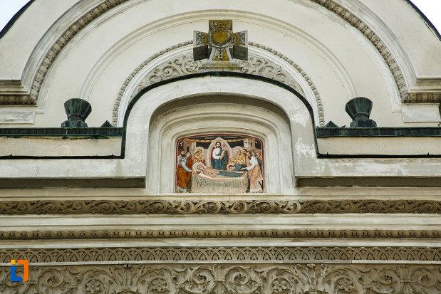 biserica-adormirea-maicii-domnului-din-dragasani-judetul-valcea-cateva-detalii-ornamentale.jpg