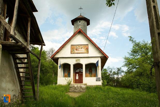biserica-adormirea-maicii-domnului-din-lupoita-judetul-gorj.jpg