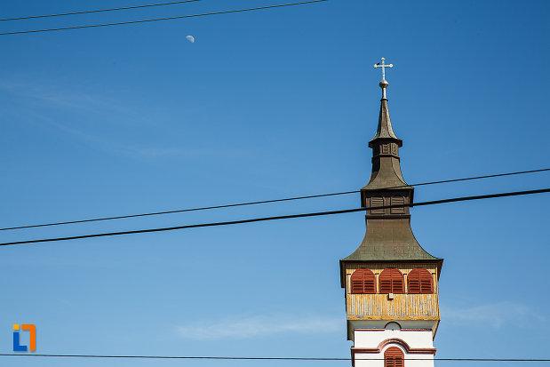 biserica-adormirea-maicii-domnului-din-orastie-judetul-hunedoara-poza-cu-turnul.jpg