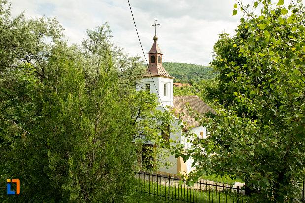 biserica-adormirea-maicii-domnului-din-orsova-judetul-mehedinti.jpg
