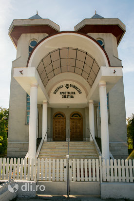 biserica-apostolica-crestina-din-baia-sprie-judetul-maramures.jpg