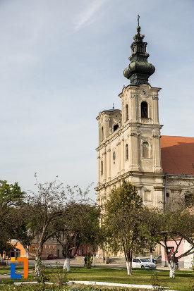 biserica-armeano-catolica-sf-elisabeta-din-dumbraveni-judetul-sibiu-vazuta-din-lateral.jpg