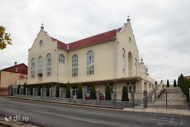 biserica-baptista-din-borla-judetul-salaj.jpg