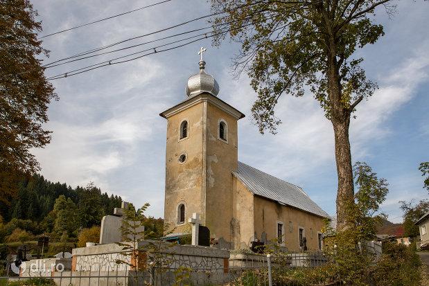 biserica-catolica-sfanta-maria-din-cavnic-judetul-maramures.jpg