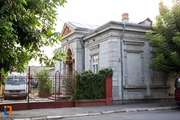 biserica-crestina-din-calarasi-judetul-calarasi.jpg