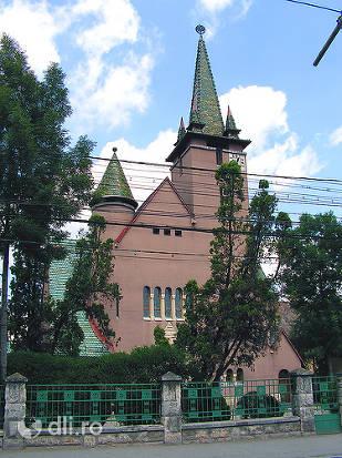 biserica-cu-cocos.jpg