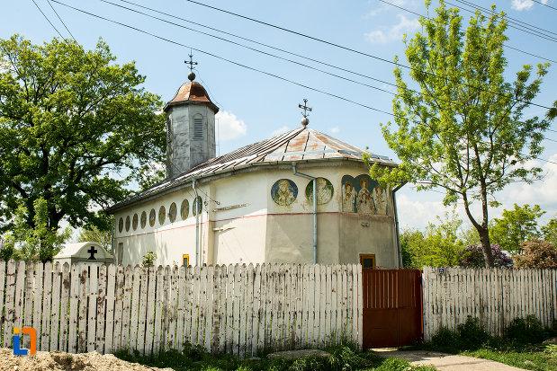 biserica-cuvioasa-paraschiva-din-suica-judetul-olt.jpg