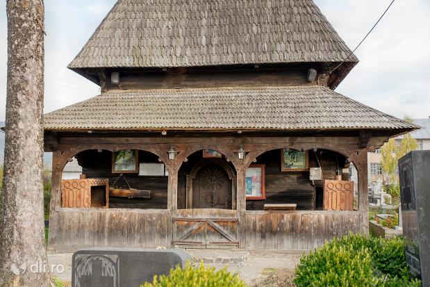 biserica-de-lemn-adormirea-maicii-domnului-din-sieu-judetul-maramures.jpg
