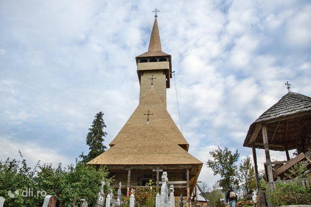 biserica-de-lemn-cuvioasa-paraschiva-din-botiza-judetul-maramures.jpg