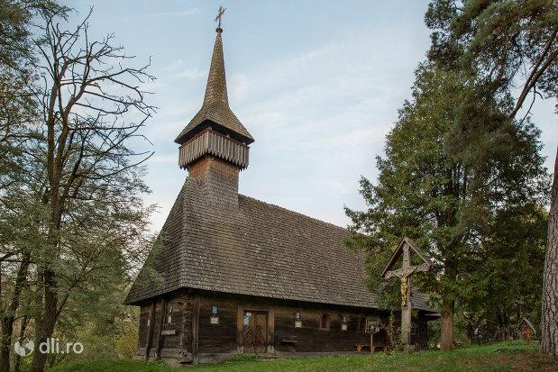 biserica-de-lemn-din-breb-judetul-maramures.jpg