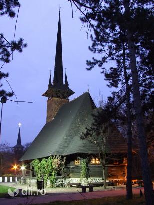 biserica-de-lemn-din-brusturi.jpg