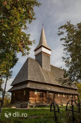 biserica-de-lemn-din-hoteni-judetul-maramures.jpg