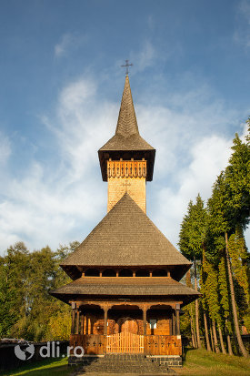 biserica-de-lemn-din-ocna-sugatag-judetul-maramures.jpg