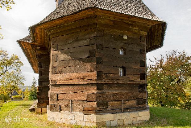 biserica-de-lemn-din-plopis-judetul-maramures-vedere-din-spate.jpg