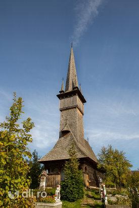 biserica-de-lemn-din-plopis-judetul-maramures.jpg