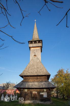 biserica-de-lemn-din-sat-sugatag-judetul-maramures.jpg