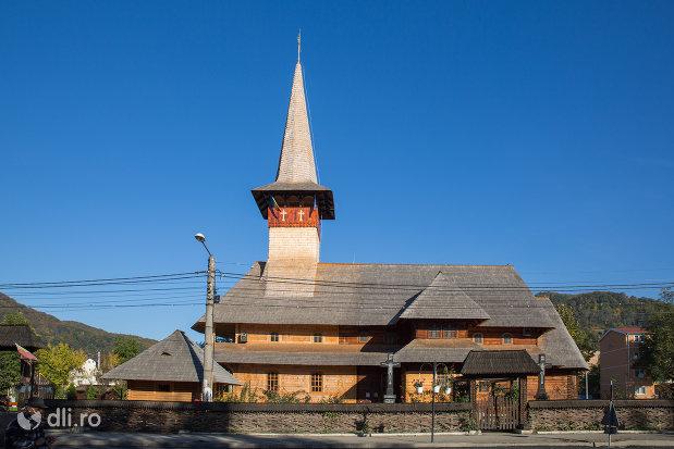 biserica-de-lemn-ortodoxa-din-baia-sprie-judetul-maramures.jpg
