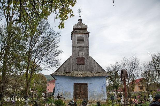 biserica-de-lemn-sf-arhangheli-mihail-si-gavril-din-stramtura-judetul-satu-mare.jpg