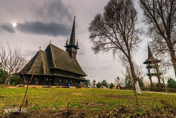 biserica-de-lemn-sf-mina.jpg