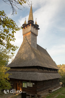 biserica-de-lemn-sf-nicolae-josani-din-budesti-judetul-maramures.jpg